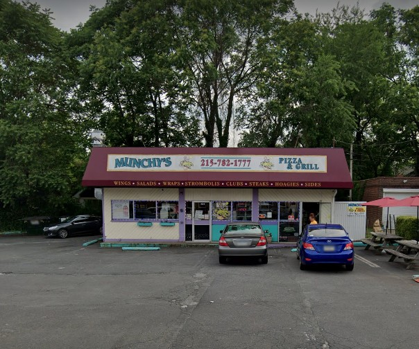 Health Dept; 15 violations for Munchys Pizza & Grill in Elkins Park,; Coleslaw, sour cream, and salad dressing stored at room temperature, Employee observed slicing tomatoes with bare hands