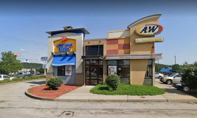 "Belle Vernon Long John Silvers bumbles inspection; ""Drains for both fountain machines have slimy build up. 2ND REPEAT VIOLATION"""