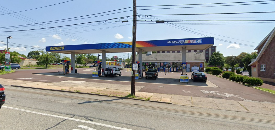 Health Dept Complaint; Souderton Sunoco tells customer to return expired milk back to retail cooler