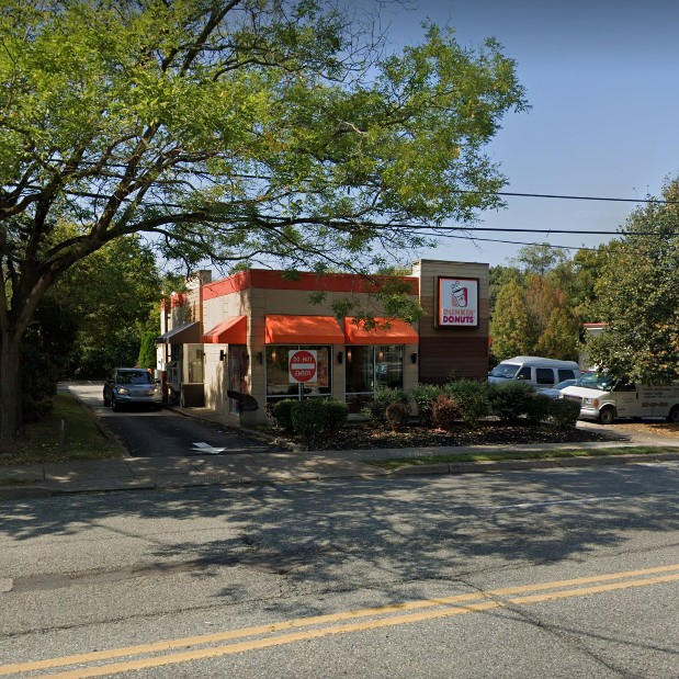 Complaint Inspection; Flourtown Dunkin' Donuts turns off hot water to sink, bumbles inspection tagged with 7 violations