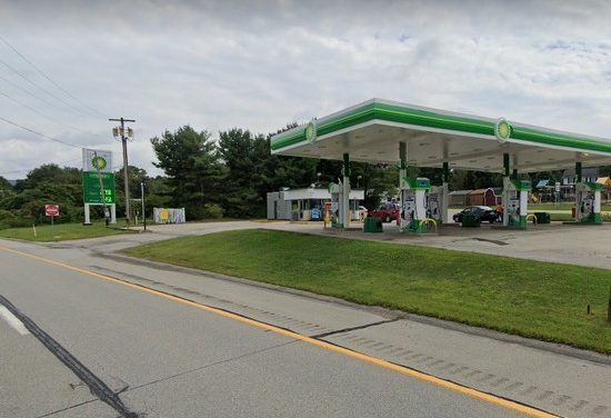 BP in Latrobe blows inspection; black filth indicating an over-flowed toilet and not being cleaned, no toilet paper in employee bathroom