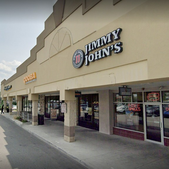 Jimmy Johns in Bala Cynwyd bumbles inspection; Fly-like insects observed under soda machine counter in the dining area