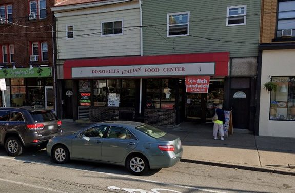 Pittsburgh's Donatelli's Food Center fouls inspection; Several dead roaches observed, Mouse droppings observed throughout the store