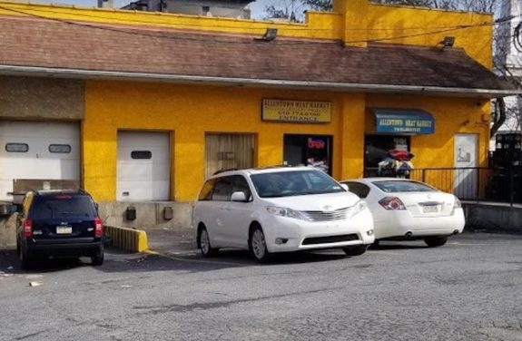 Inspector; Allentown Meat Market found using degreaser instead of sanitizer in 3 bay ware washing sink