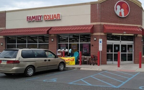 "Inspection Pottstown Family Dollar; ""observed employee blow their nose and returned to work without washing their hands"""