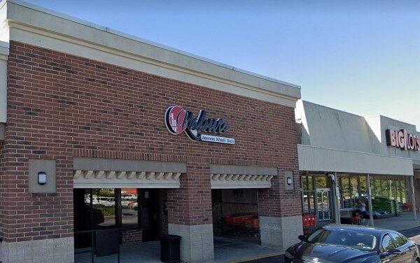 19 violations Kabuto Sushi in East Norriton fouls inspection fly like insects observed by dish machine and ice machine, pineapple and crab meat stored in open aluminum cans