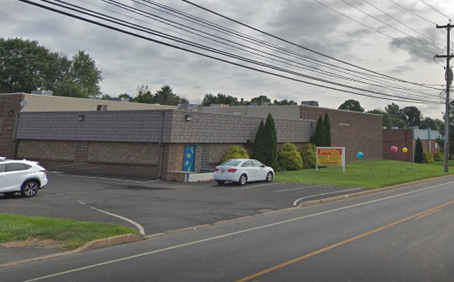 The Sports Zone- Southampton fails inspection, rodent droppings, not sanitizing dishes- 5 violations