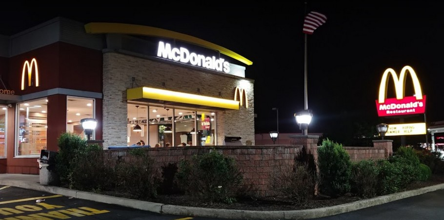 Allentown McDonalds fumbles inspection; Insect control device located with potential to contaminate food, equipment, and / or utensils, 10 violations