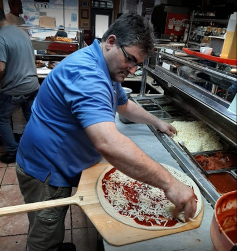 Vino's Pizza in Lafayette Hill fails inspection; inspector finds mouse like droppings, dead roach, 19 violations total
