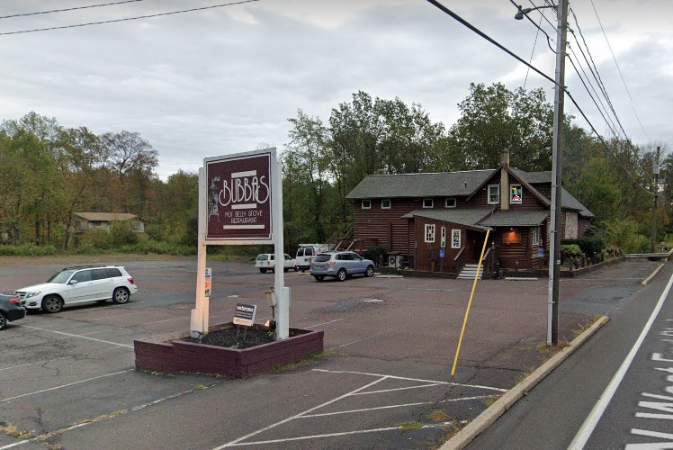 Quakertown's Bubba's Potbelly Stove Restaurant fouls inspection; Mice droppings, Raw sewage discharging into neighboring stream