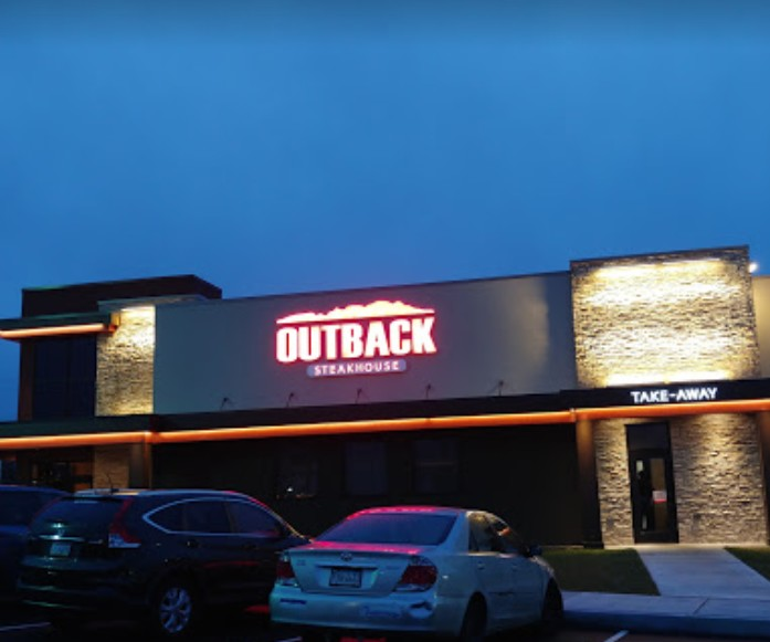 Oxford Valley Outback Steakhouse fouls inspection; Knives designated as clean were found to contain dried food residue