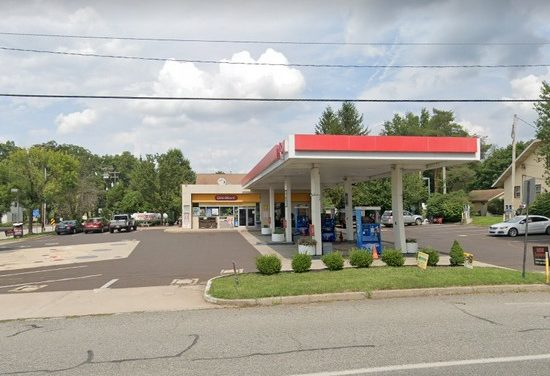 Inspection Lansdale Exxon; Rodent-like droppings observed around trash can in area between toilet room, Milk expired from March
