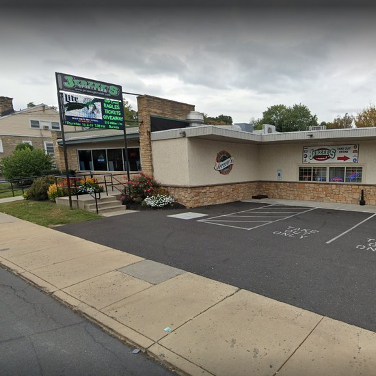 Jerzee's Sports Bar & Pizzaria in Glenside fouls inspection; Expired milk, cook's marker stored with tooth picks