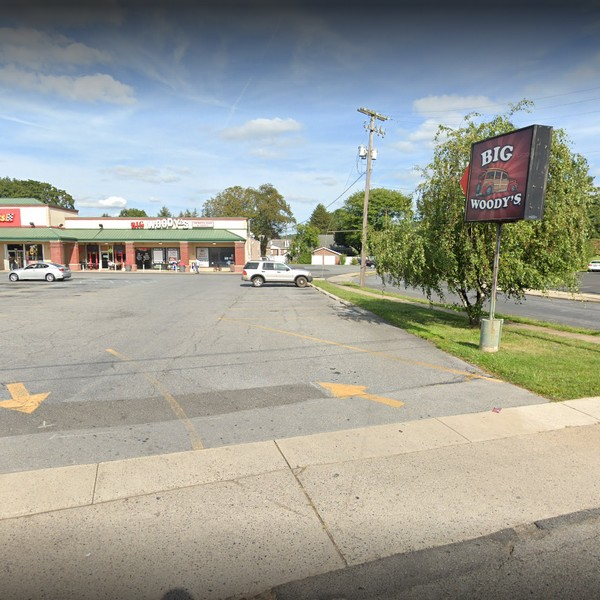 "Complaint Inspection Big Woody's Sports in Allentown finds, ""has a gnat problem as evidence of gnats all over the bar and the food areas,"" 8 violations"