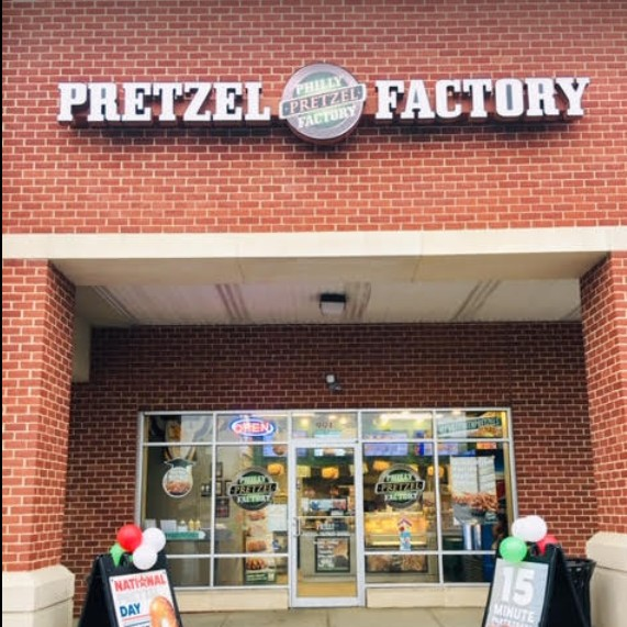 Inspection Philly Pretzel Factory Avondale finds Mouse droppings observed on the floor near the rear exterior door, 4 violations