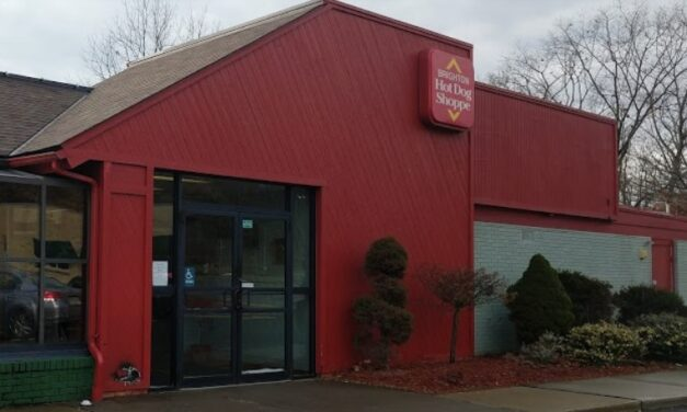 13 violations at Brighton Hot Dog Shoppe in Pittsburgh; Ice deflector has mold-like growth, Customers not wearing masks, Health permit expired in 2019