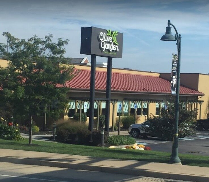 Green Tree Olive Garden bumbles inspection; 6 violations, chopper has old food debris within the metal grid